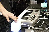 /images/NAMM2007/percussa-cubet.jpg