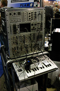 /images/journal06/NAMM2006/DSC_9308.jpg