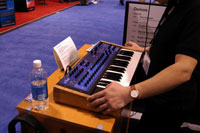 /images/journal06/NAMM2006/DSC_9378.jpg