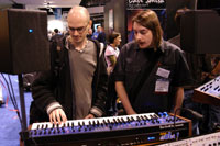 /images/journal06/NAMM2006/DSC_9379.jpg